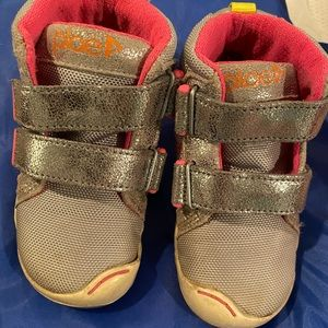 Size 8 toddler PLAE high top shoes
